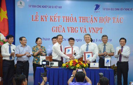 VRG sẽ ứng dụng các giải pháp công nghệ của VNPT vào sản xuất kinh doanh